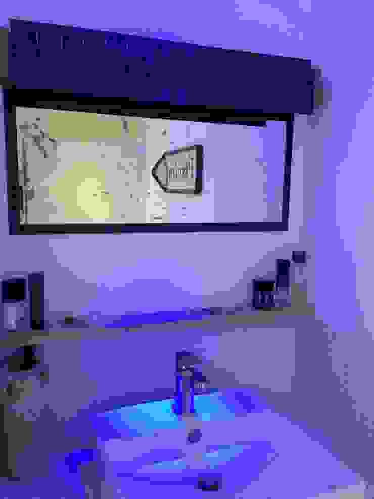Salle d'eau par Atelier Tresan Éclectique