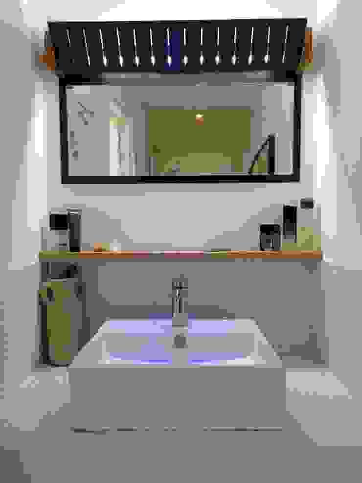 Salle d'eau Salle de bain minimaliste par Atelier Tresan Minimaliste