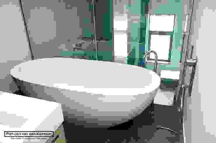 Badkamer Loft Moderne badkamers van Piet-Jan van den Kommer Modern