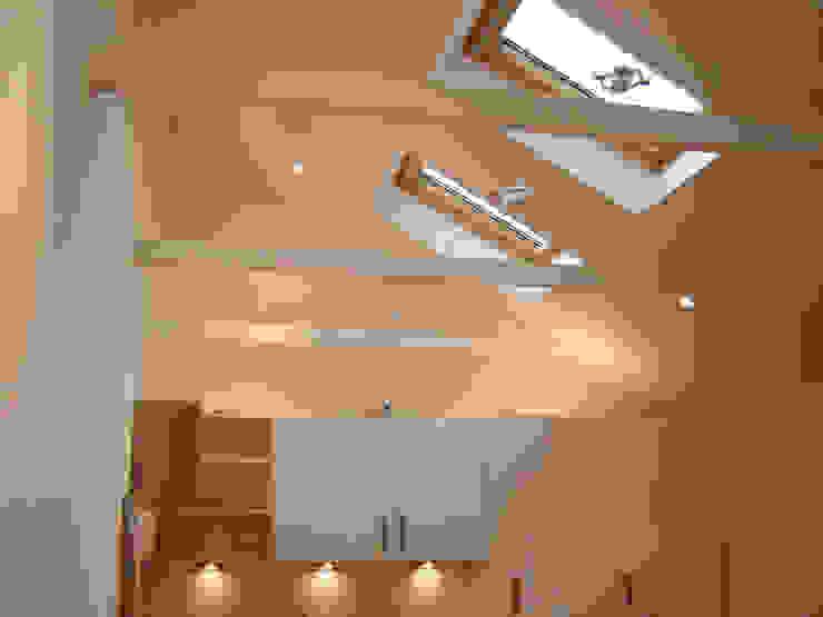 Loft Modern kitchen by Arc 3 Architects & Chartered Surveyors Modern