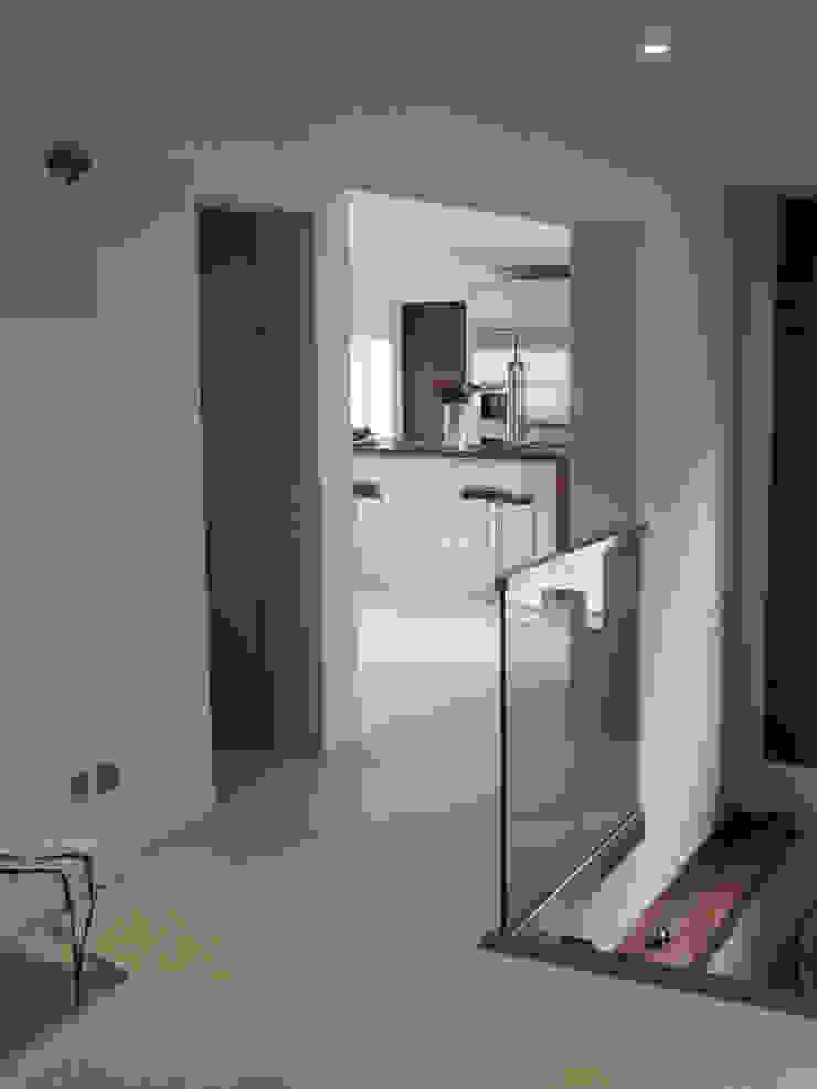 Medina Terrace, Hove Minimalist corridor, hallway & stairs by Mohsin Cooper Architects Minimalist