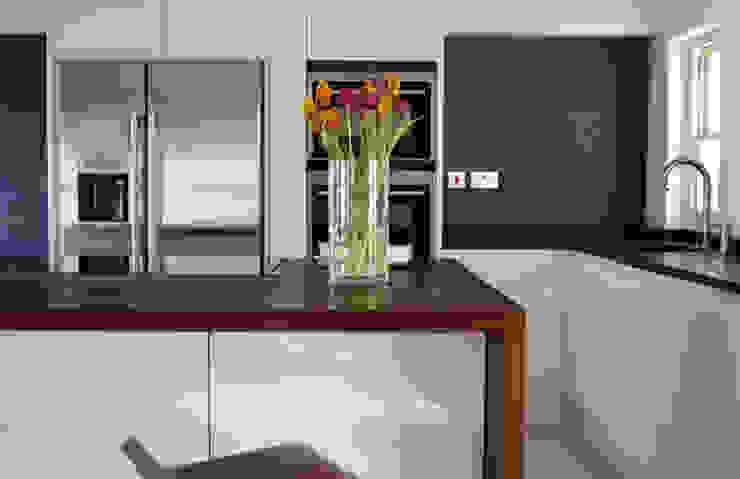 Medina Terrace, Hove Minimalist kitchen by Mohsin Cooper Architects Minimalist