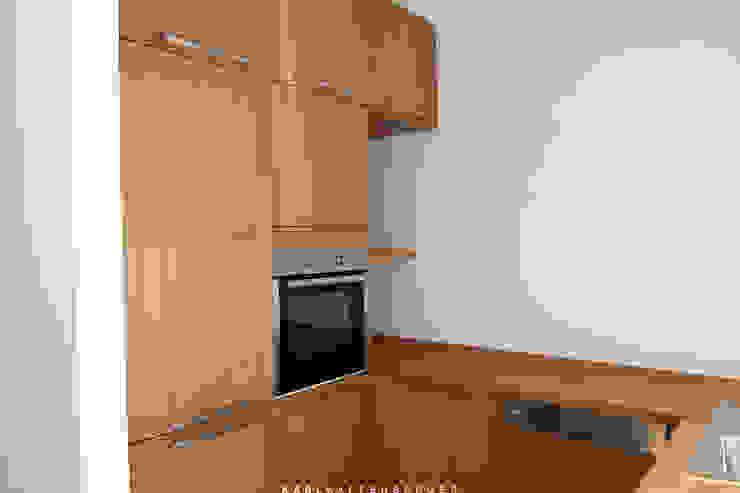 Cozinhas modernas por Karl Kaffenberger Architektur | Einrichtung Moderno