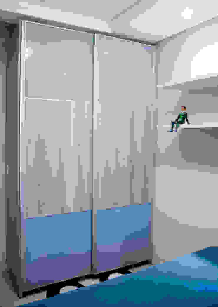 Projeto arquitetônico de interiores para residência unifamiliar. – (Fotos: Lio Simas) Quarto infantil eclético por ArchDesign STUDIO Eclético