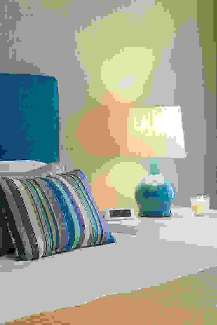 Pormenor da Suite Quartos modernos por Traço Magenta - Design de Interiores Moderno