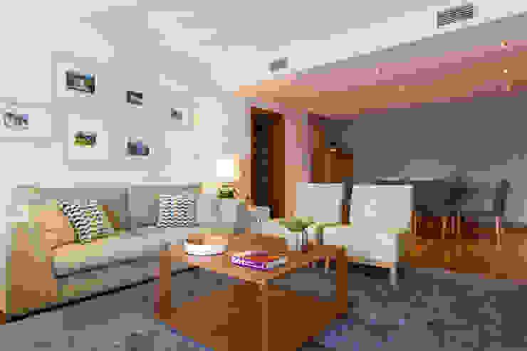 Sala Comum_Zona de Estar e refeições Salas de estar modernas por Traço Magenta - Design de Interiores Moderno