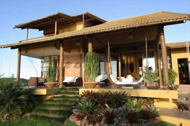 Balcones y terrazas de estilo tropical de Mascarenhas Arquitetos Associados Tropical