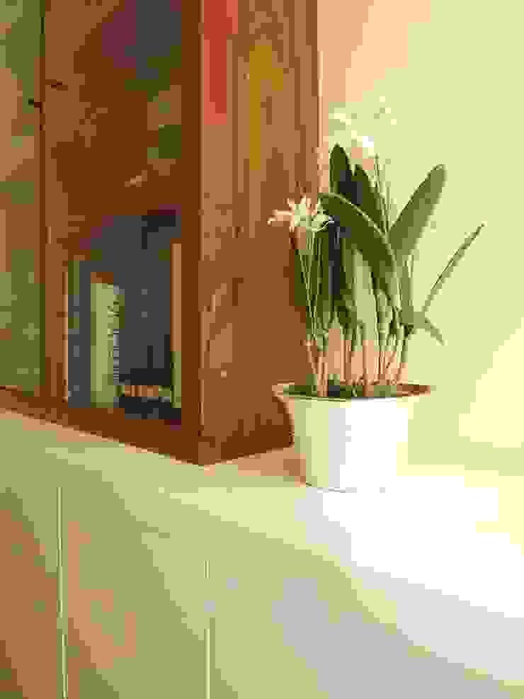 Salas multimedia de estilo clásico de Traço Magenta - Design de Interiores Clásico
