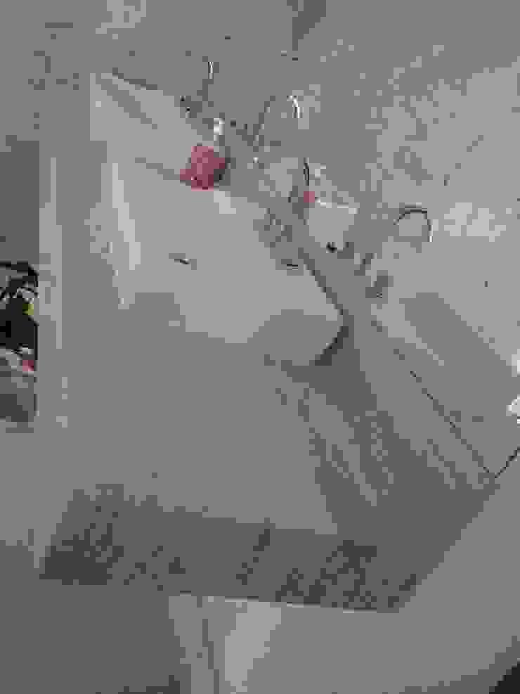 Salle de bain méditerranéenne par CAMASA Marmores & Design Méditerranéen