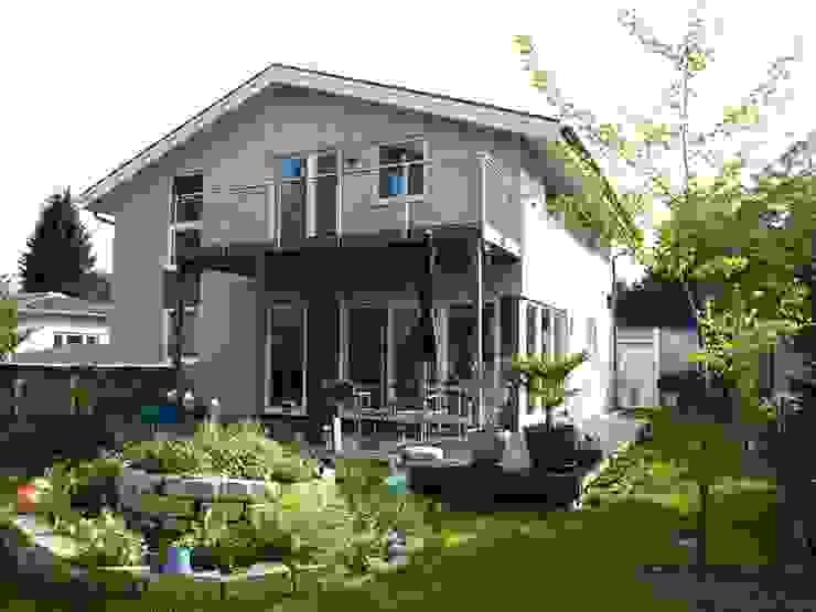 Nhà theo Akost GmbH  'Ihr Traumhaus aus Norwegen',