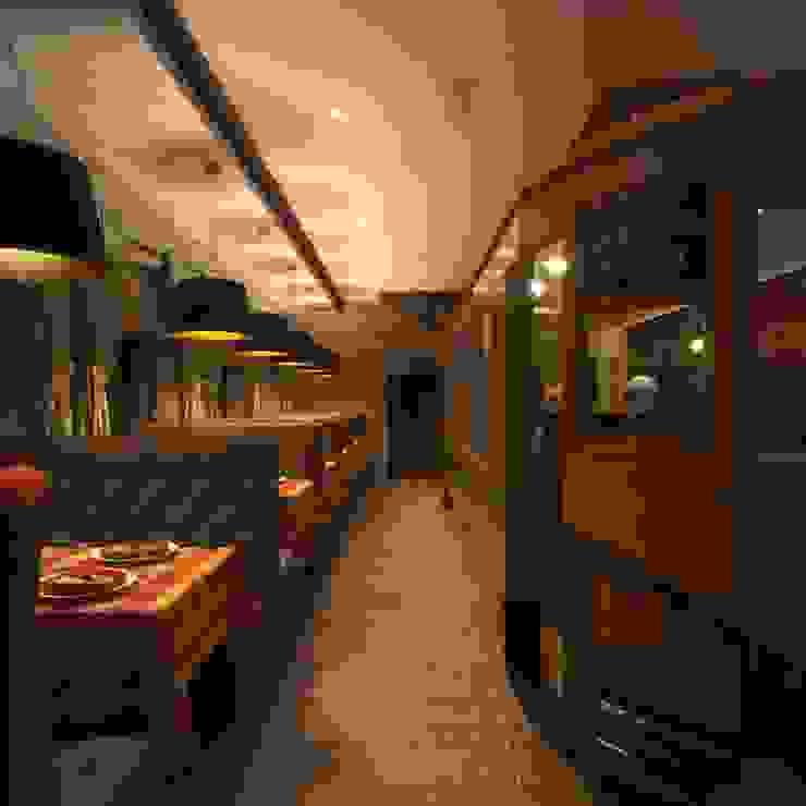 Ла Страда Столовая комната в эклектичном стиле от Максим Любецкий Эклектичный