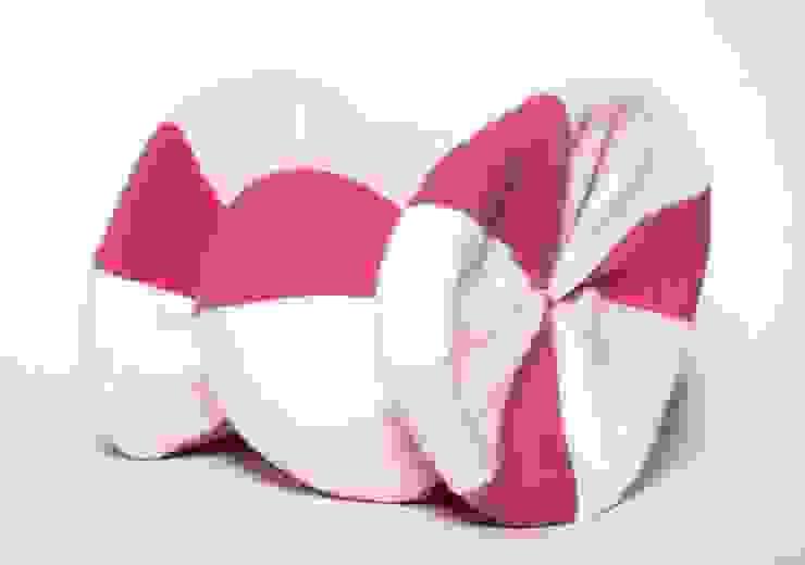 Poduszka cukierek od Pracownia Projektowa Pink Frog Klasyczny