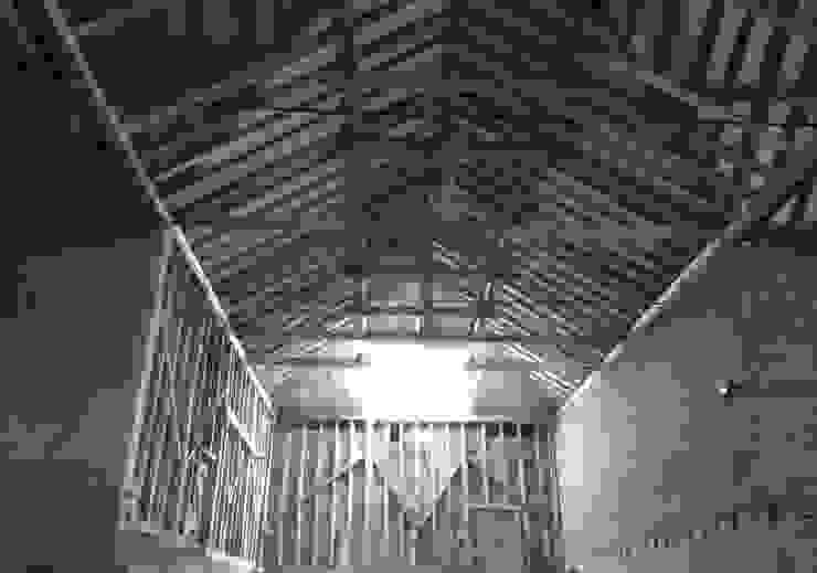 Church Hill Barn, Suffolk Modern living room by David Nossiter Architects Modern