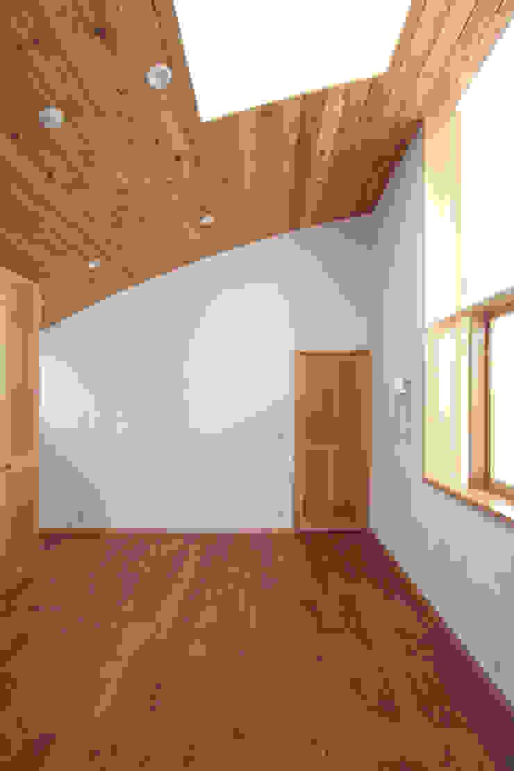 主寝室 中川龍吾建築設計事務所 カントリースタイルの 寝室