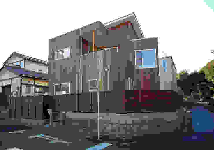 S教授の家_外観 日本家屋・アジアの家 の 佐賀高橋設計室/SAGA + TAKAHASHI architects studio 和風