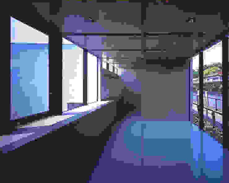2階展示空間 ミニマルな商業空間 の atelier o ミニマル