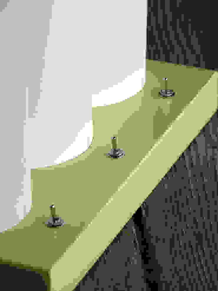 Lampe de table TRI-L par La Fable Minimaliste