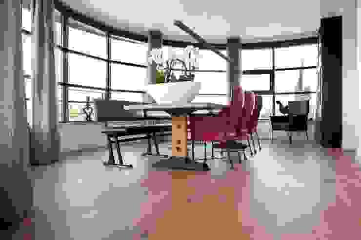 Houten vloer in eetkamer Moderne eetkamers van BVO Vloeren Modern
