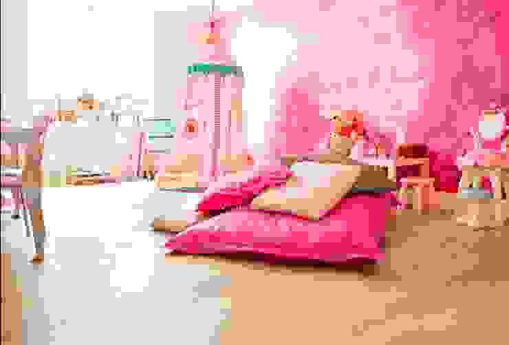 Houten vloer in prinsessenkamer Moderne kinderkamers van BVO Vloeren Modern