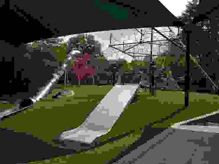 Valley Park - Customized Rutschen in der Kletterlandschaft Berliner Seilfabrik GmbH & Co. Ausgefallene Schulen