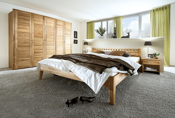 homify BedroomWardrobes & closets