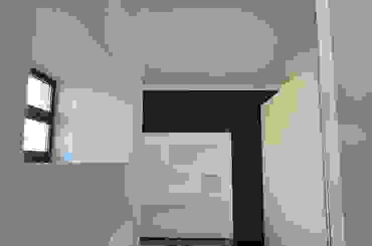 BIANCOACOLORI Modern Bedroom