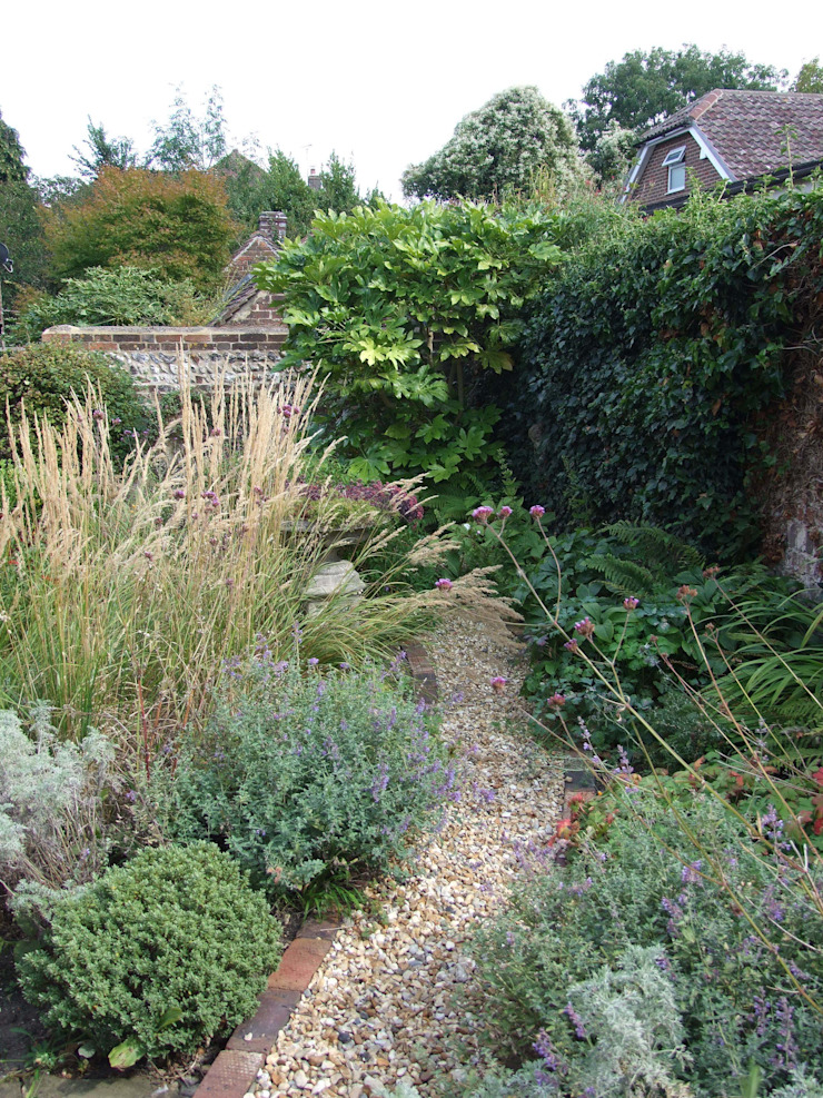 Ditchling cottage garden by Capability chris