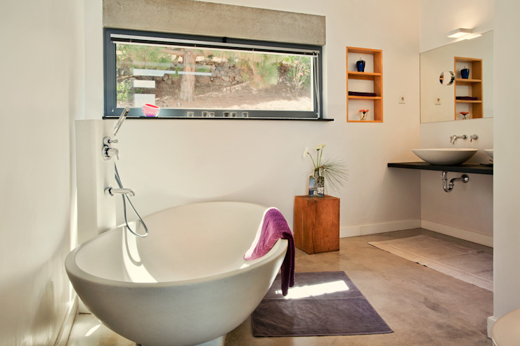 Casas de banho minimalistas por Lukas Palik Fotografie Minimalista