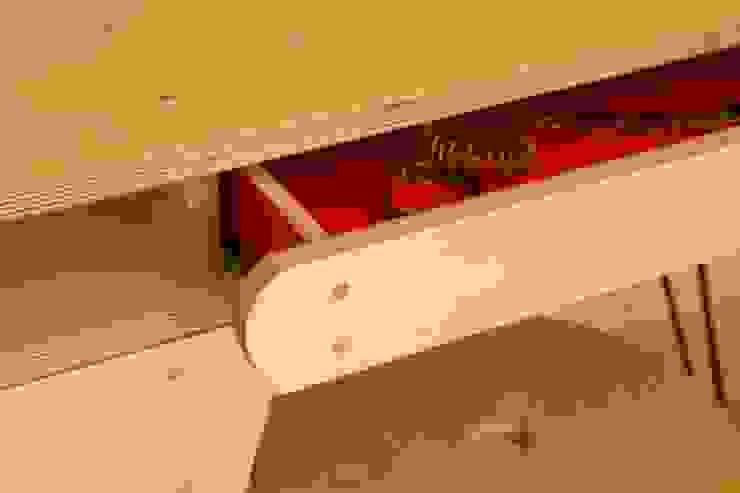 dressing table: modern  by tim germain furniture designer/maker, Modern