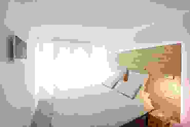 Calidéz nórdica para descansar Dormitorios de estilo escandinavo de ILIA ESTUDIO Escandinavo