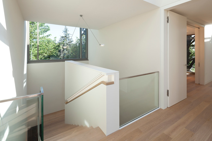 Flurbereich ARCHITEKTEN BRÜNING REIN Moderner Flur, Diele & Treppenhaus