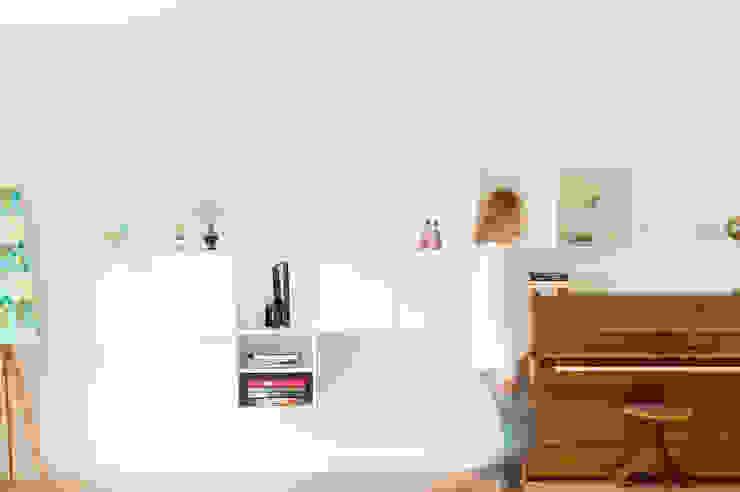 Projekty,  Salon zaprojektowane przez Jolanda Knook interieurvormgeving, Nowoczesny