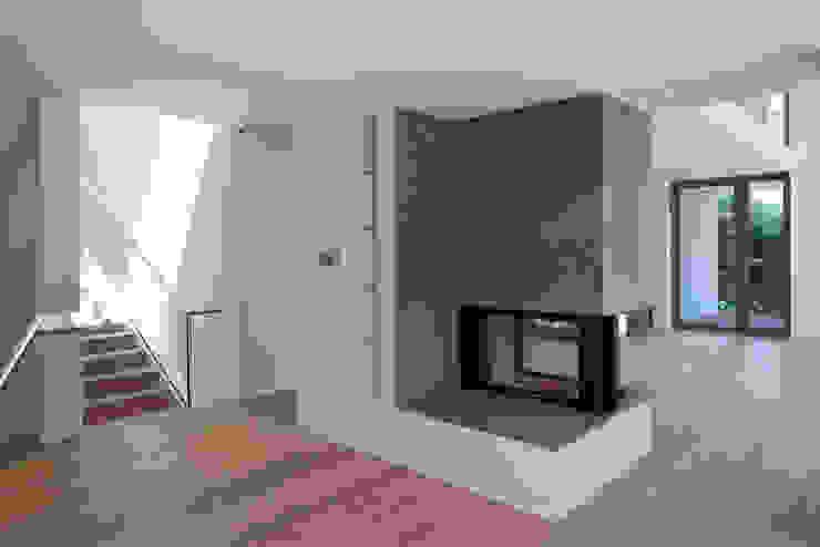 Essbereich ARCHITEKTEN BRÜNING REIN Moderne Esszimmer