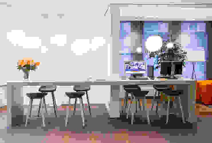 banhal, ontmoetingstafel Moderne kantoor- & winkelruimten van maria haag architectuur Modern