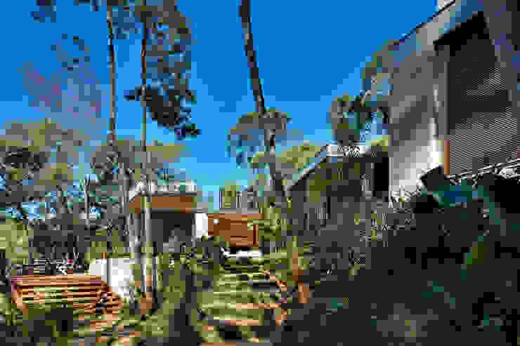 Casa MR Jardins modernos por Humberto Hermeto Moderno