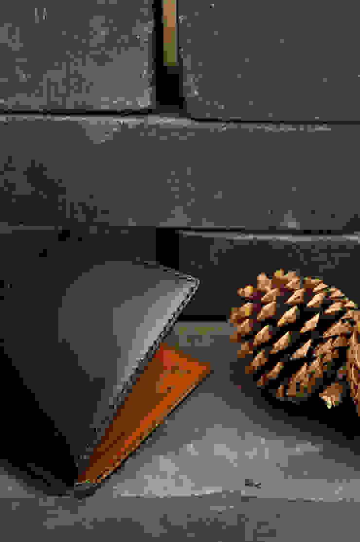 Black Tan: SecondBreath의 미니멀리스트 ,미니멀