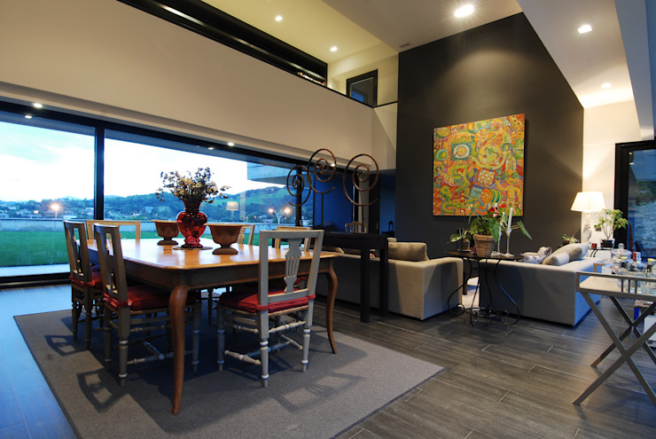 Salón con Pasillo superior de distribución de habitaciones Casas de estilo moderno de DECONS GKAO S.L. Moderno