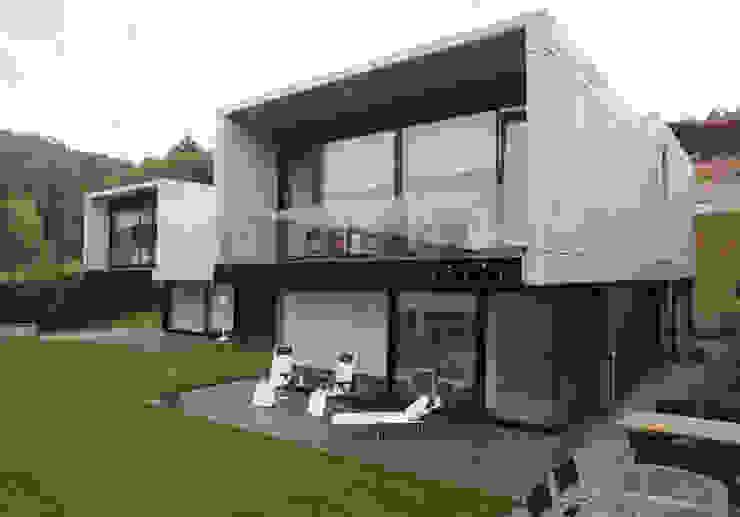 Fachada Casas de estilo moderno de DECONS GKAO S.L. Moderno