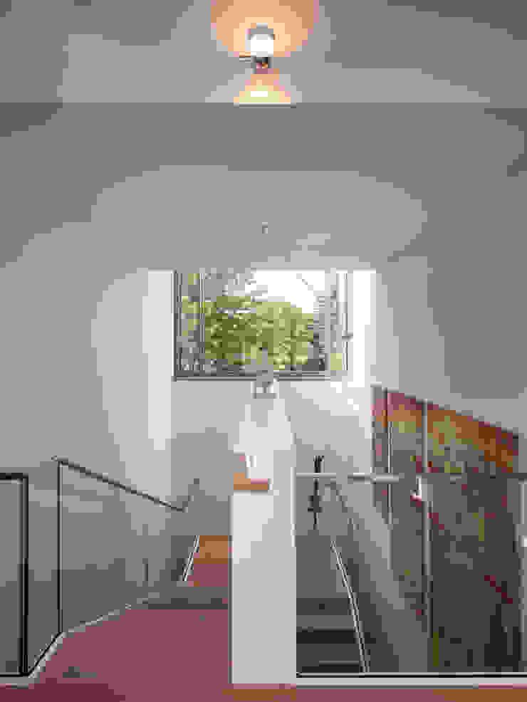 Treppenraum OG ARCHITEKTEN BRÜNING REIN Moderner Flur, Diele & Treppenhaus