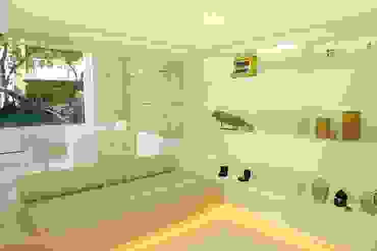 Sala de atención personalizada y exposición de producto. Oficinas y tiendas de estilo moderno de The Pont design Moderno