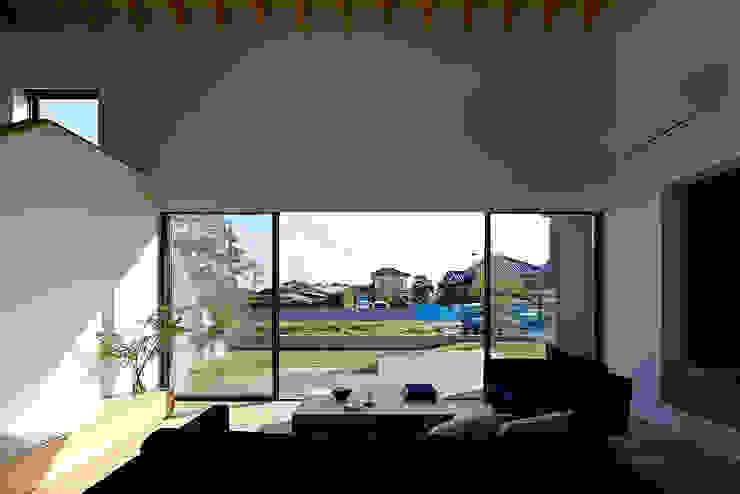 House – KT モダンデザインの 多目的室 の 佐々木達郎建築設計事務所 モダン