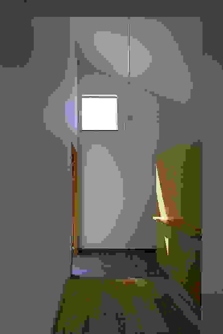 House – KT モダンスタイルの 玄関&廊下&階段 の 佐々木達郎建築設計事務所 モダン