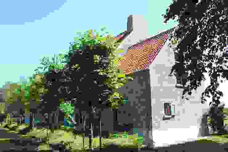 Jardines de estilo rural de Arceau Architecten B.V. Rural