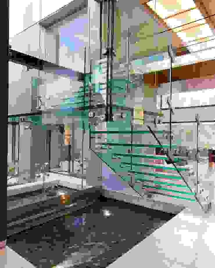 House Sed Modern corridor, hallway & stairs by Nico Van Der Meulen Architects Modern
