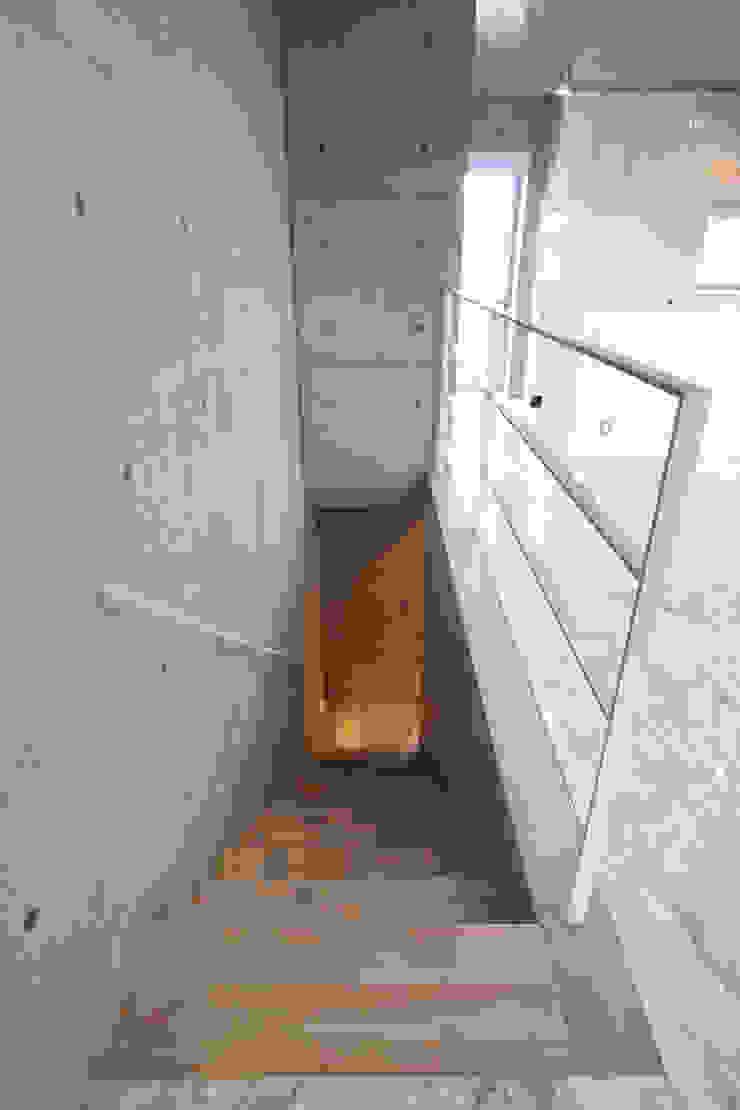 稲沢の家 オリジナルスタイルの 玄関&廊下&階段 の 五藤久佳デザインオフィス有限会社 オリジナル
