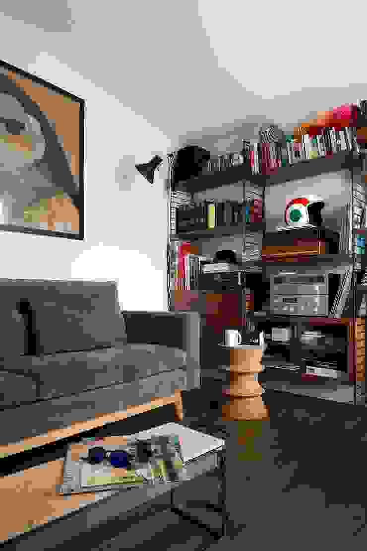 Salas multimedia de estilo ecléctico de Escapefromsofa Ecléctico