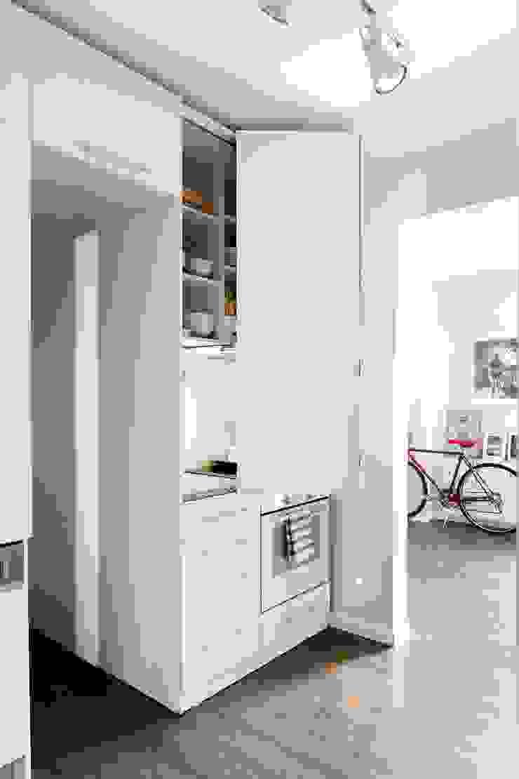 Cocinas de estilo minimalista de Escapefromsofa Minimalista