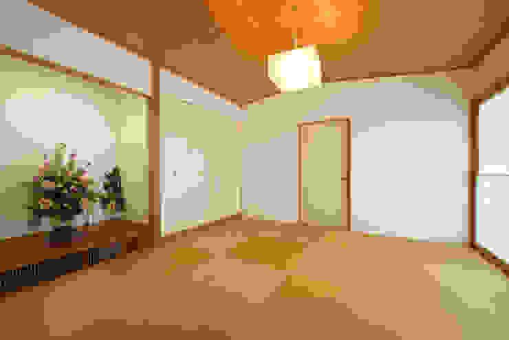 社宮司の家 オリジナルデザインの 多目的室 の 五藤久佳デザインオフィス有限会社 オリジナル