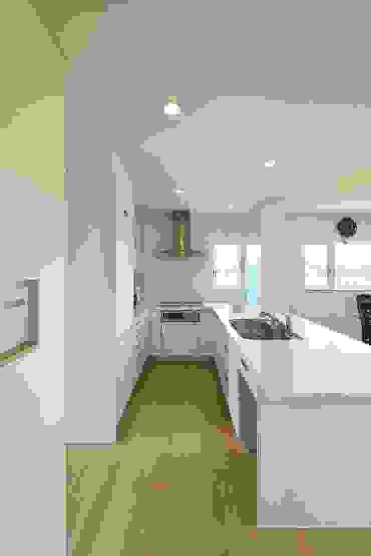 社宮司の家 オリジナルデザインの キッチン の 五藤久佳デザインオフィス有限会社 オリジナル