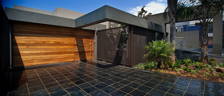 House Tat Modern houses by Nico Van Der Meulen Architects Modern
